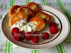 Вкусные сырники на сковороде — с мукой, манкой (простые рецепты)