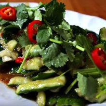 Битые огурцы по-китайски — рецепты с кунжутным маслом и соевым соусом