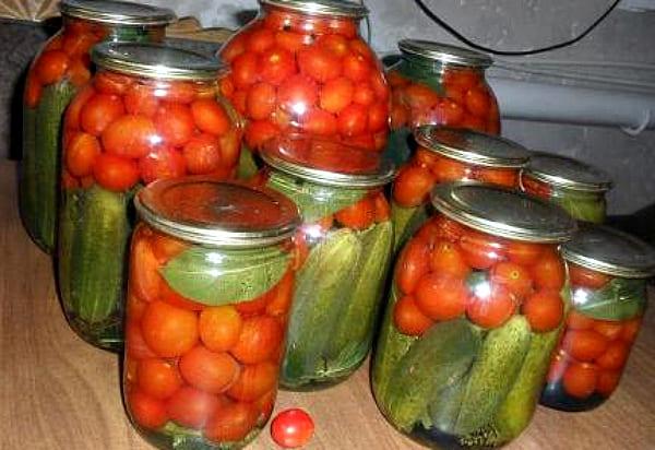 огурцы с помидорами черри