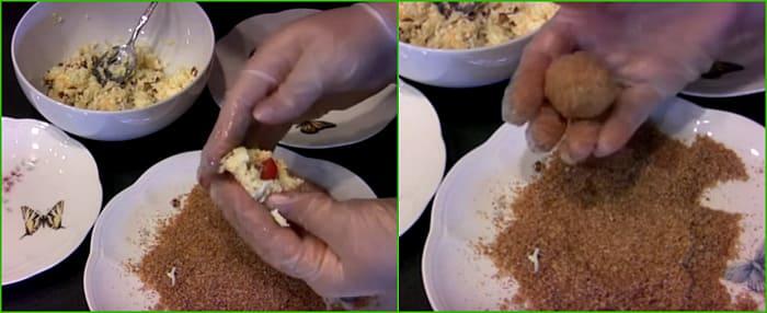 запанировать в смеси паприки и сыра
