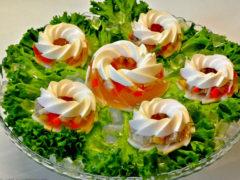 Как приготовить заливное из курицы с желатином, яркие праздничные закуски к Новогоднему столу