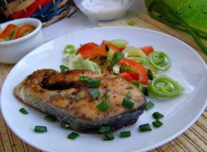 Как жарить горбушу на сковороде, чтобы рыба сохранила свой сок