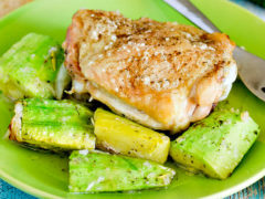 Курица с кабачками в духовке. Самые вкусные рецепты запеченной курицы
