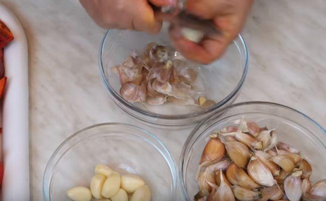 Как приготовить аджику из помидоров и чеснока