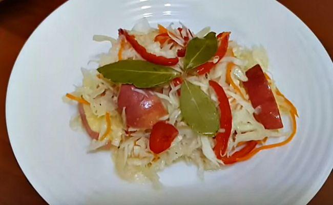 Вкусный салат из капусты на ужин