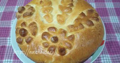 Пирог с капустой в духовке из дрожжевого теста