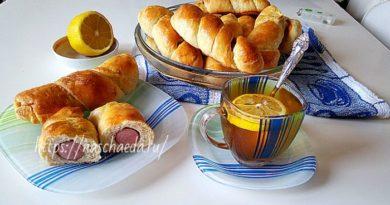 Сосиски в тесте — рецепт из дрожжевого теста в духовке