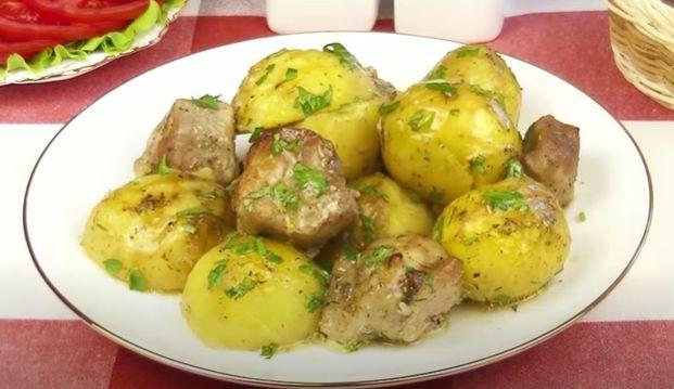 Картошка по деревенски в духовке — 7 лучших рецептов